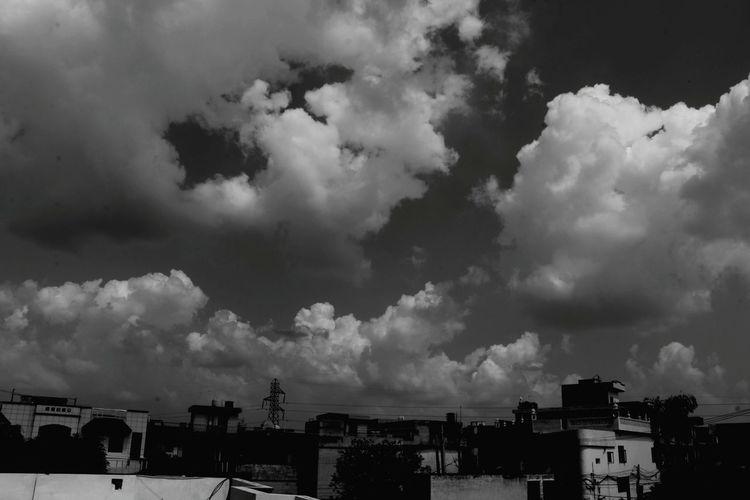Cloud - Sky Building Exterior Architecture Outdoors Storm Cloud No People Urban Skyline Canon18-135 Canon80d Day