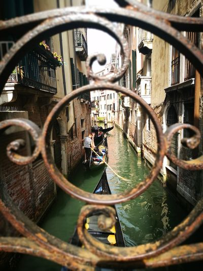 City Close-up Canal Gondolier Veneto Venetian Lagoon Gondola - Traditional Boat Mooring Post