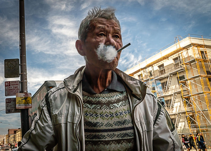 San Francisco Smoking Candid Chinese Culture Front View Lifestyles Men One Person Portrait Real People Street Waist Up The Street Photographer - 2018 EyeEm Awards The Portraitist - 2018 EyeEm Awards