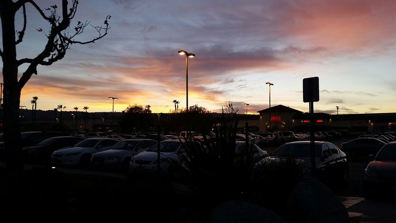 And i was able to catch the sunset as well ? California Sunset Vons Market Parkinglot Cars Sky Gorgeous Clouds Gs5