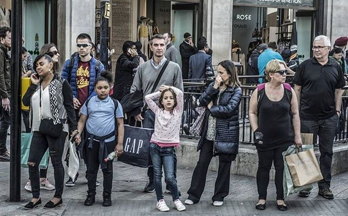 St Oxford St Streetphotographer Streetshot Streetphotography Streetphoto Street Streetfeat
