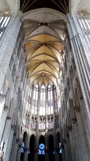 Cathédrale De Beauvais Cathedral Beauvais Light And Shadow Architecture_collection Gothic Architecture Architecture GothicStyle Medieval Architecture Gothic Beauty  Gothic Arches Architecturelovers