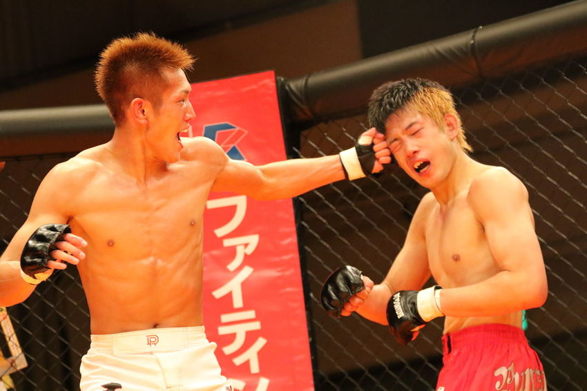 GRACHAN Pro MMA event in Tokyo Japan JMMA Japan Japan Photography Japanese  Japanese Culture Japanese Style MMA MMA Fight MMA Fighter PANCRASE Athlete Boxing - Sport Boxing Glove Cage Competition Grachan Real People Shooto Sports Clothing Sportsman Two People Young Men