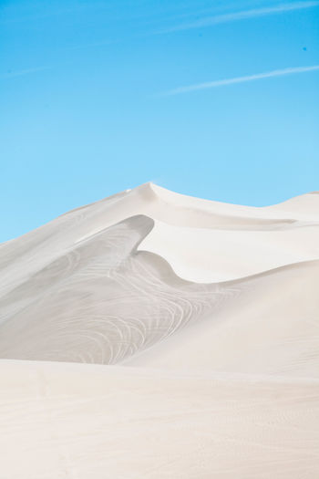 Desert Dunes Abstract Desert Beauty Dune Horizon Landscape Minimal Minimalism Outdoors Sand Dune Sand Dunes Serene Simple Sky