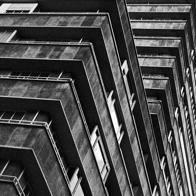 Torrid. That's what it is. #torridporn Angleporn Abstractporn Linedesire Abstractparts Torridporn Abstract Ixelles Abstractarchitecture Linegasm Architectureporn Constructivism Doublefilter Constructivist