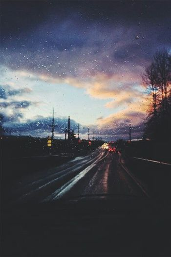 Enjoying Life Raindrops Car Sunset Relaxing Roadtrip Quality Times Check This Out Nice Weather Hello World Cityscapes Atmosphere City Life Taking Photos