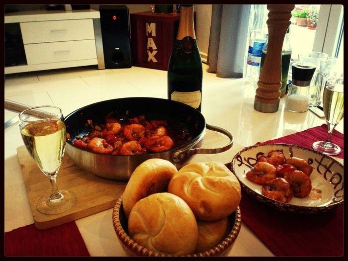 Lecker garnelen und champus! Food