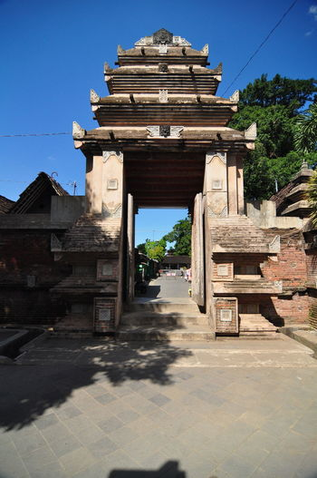 kasongan village Yogyakarta Indonesia Gate Hinduism Yogyakarta, Indonesia Ancient Ancient Civilization Architecture Building Exterior Built Structure Clear Sky Culture Culture And Tradition Culture Heritage Day History No People Old Ruin Outdoors Place Of Worship Religion Shadow Sky Sunlight Travel Destinations Tree Yogyakarta,indonesia
