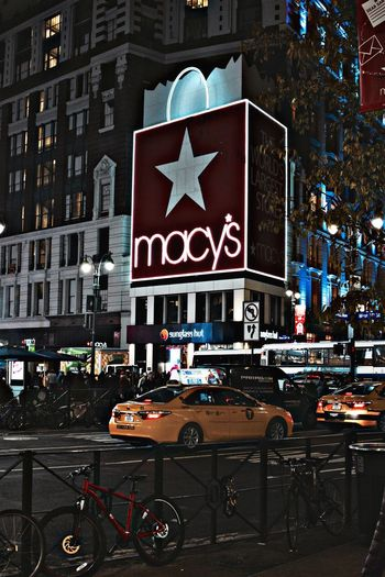 Macy's Macy Macys Streetphotography Streerphotography Street Photography Street Life Streetphoto NYC Photography NYC NYC Street NYC Street Photography Night Photography Nightphotography Yellow Taxi New York City City New York Outdoors Outdoor Photography