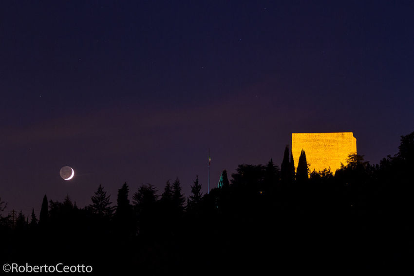 Discover Your City Nervesa Night moon Ossario
