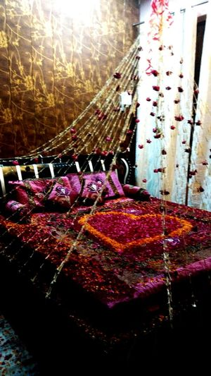 Wedding Photography Firstnight Bedroom Love♡ EyeEmBestPics Love Is In The Air Lieblingsteil Neon Life