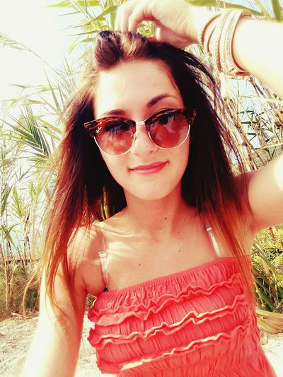 First Eyeem Photo Women Portraits Women Womenportrait Wome Smiling Smile Young Adult Young Woman Sunglases Sun Sunny Day