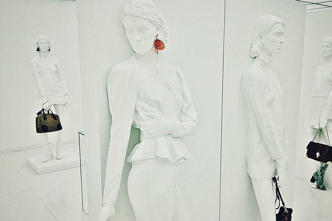 Louis Vuitton Shop Your Way Los Angeles, California Live Love Shop Handbags Mannequins