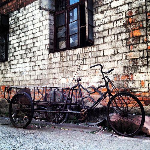 Bicycle Ganzhou Mode Of Transport Old Bike Old Bikes Riding Stange Engine Transportation