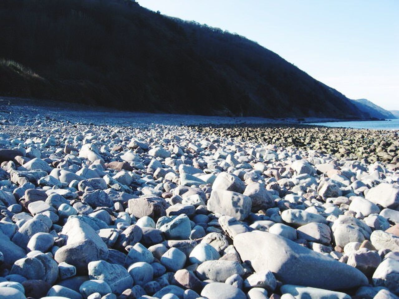 pebble, beach, pebble beach, nature, tranquil scene, outdoors, beauty in nature, day, no people, scenics, water, lake, sky