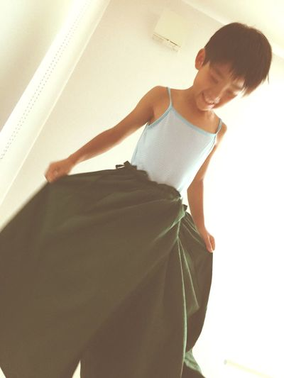 Mum's skirt <3 Girl Like Mommy  Childsplay Dancer Dancing Princess People Photography Happy Smile Sound Of Life