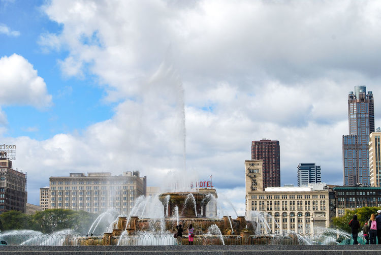 Buckingham Fountain in Chicago, view from Millennium Park. Architecture Buckingham Fountain Buckinghamfountain Building Exterior Chicago Chicago ♥ Cityscape Day Fountain Landmark Millennium Park Travel Travel Destinations Urban Exploration Urban Skyline