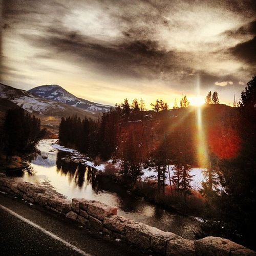 Sunrise Yellowstonenationalpark Lamarvalley Livingbozeman