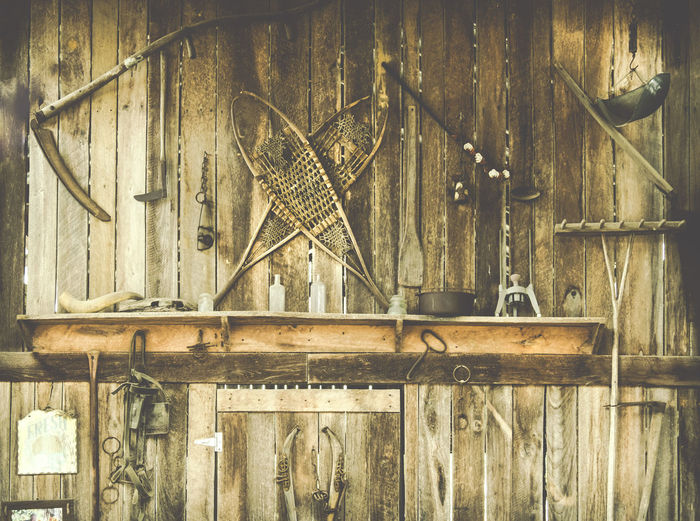 Vintage Farming Tools On An Old Wooden Barn Wall Barn United States Walden Pumpkin Farm Wall Abandoned Close-up Day Farming Farming Tools Hanging Indoors  Mounted No People Old Smyrna Tn Tennessee Vintage Vintage Farming Tools Walden Wood - Material Work Tool