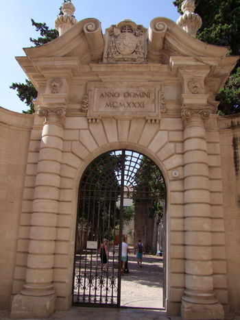 Stone Gateway to Small Park City Composition Entrance Entrance Gate Gate Gateway Arch Mallorca Ornate Stonework Palma Palma De Mallorca SPAIN Sunlight And Shade Tree Arch Architecture Blue Sky Built Structure Full Frame Gateway History No People Ornate Carving Outdoor Photography Park Travel Destination