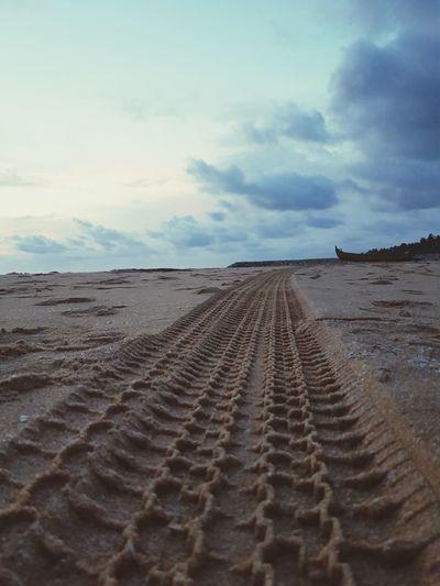 Tire tread pattern in beach #photography Photooftheday Sunsets Sunrays Sunset_collection Mahindrathar Thar Dusk Sky Desert Arid Climate Landscape FootPrint