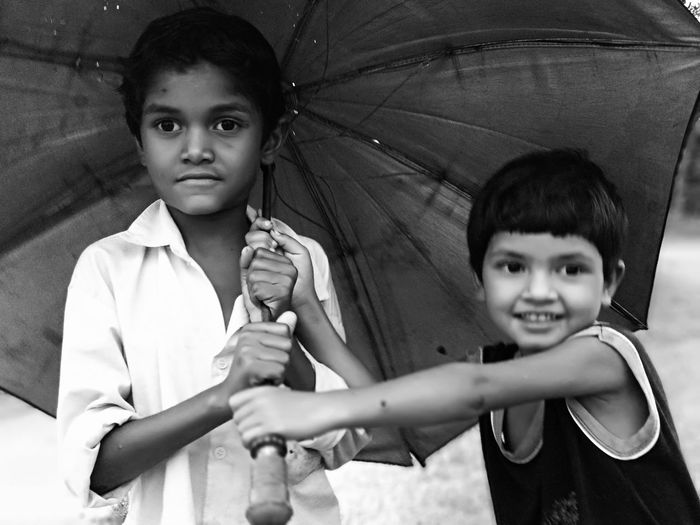 Human Hand Friendship Portrait Child Childhood Boys Smiling Looking At Camera Cheerful Girls Sibling