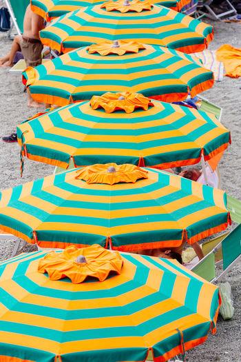 Beach Beach Life Beach Umbrella Colorful Outdoors People Real People Series Sommergefühle Summer
