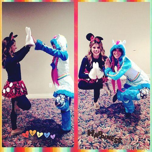Me and my borku Yogapartner Yogis Letsgetflexy Yogalove wefoundanewwaytotakepictures Halloweenparty @schaferlexxi ❤???????