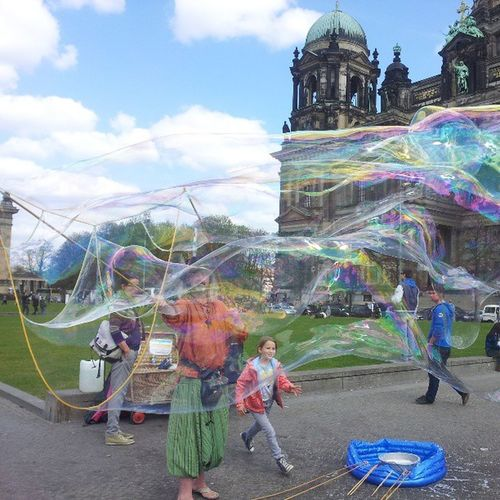 Transparent! Bubbles Streetart Berlin Dom Kids Love Justtomakehappy Rainbowcolor Green Orange Onemanshow Difficult
