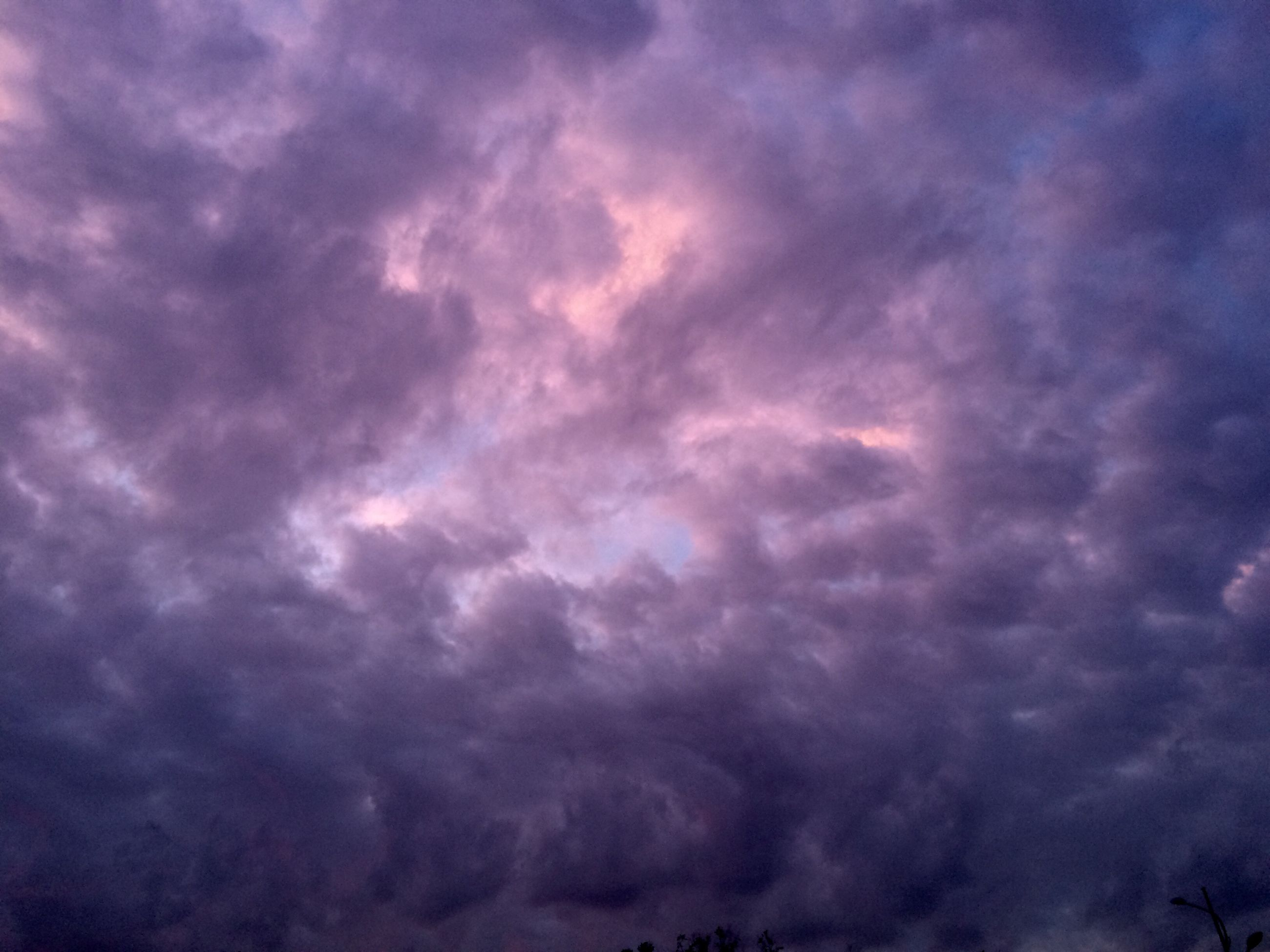 cloud - sky, sky, low angle view, cloudy, sky only, cloudscape, beauty in nature, weather, tranquility, scenics, nature, overcast, backgrounds, tranquil scene, dramatic sky, full frame, storm cloud, cloud, idyllic, atmospheric mood