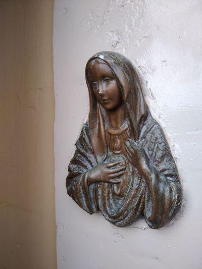 Malta Senglea Maria Door Wall Human Representation Representation Art And Craft Sculpture Spirituality Religion Wall - Building Feature Belief Creativity Craft Architecture Female Likeness