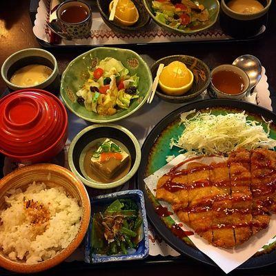 吃完像懷孕,好撐🙊 彰化 三好貍 日式定食 厚切果醋豬排 Taiwan NT170元 好便宜 超豐盛 等好久 japanfood