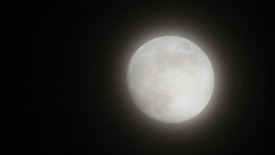 十三夜 朧の十三夜 朧 朧月 霞 Astronomy Space Moon Half Moon Space Exploration Moon Surface Solar Eclipse Galaxy Crescent Full Moon