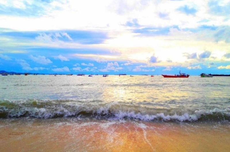 sunset sea sky Sunset Sunlight Sky_collection No People Outdoors Nopeople Sky Natrue Beauty In Nature EyeEm Best Shots No People Outdoors EyeEmNewHere Eye4photography  Thailand🇹🇭 Beautiful Water Nautical Vessel Sea Freight Transportation Sky Cloud - Sky Horizon Over Water The Modern Professional
