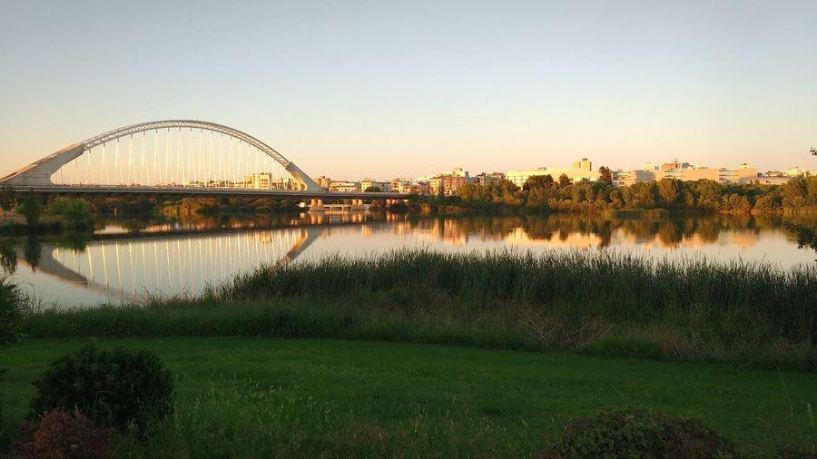 Atardecer en Mérida 🌄 Water Reflection View City Lanscape EyeEm Best Shots Mérida España🇪🇸 Puente Bridge Sunset Sunlight Warmlight