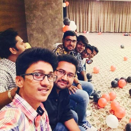 Branchparty Friends Life Happyus happyme selfie anmolkaiphone goodvibes amazingThesepeople muditAndIshanMissing Ps. Chayan what u were looking at, rather what u were searching for. ??