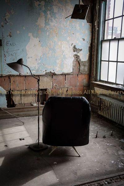 "©Ann Norsworthy ""d i r e c t o r s c h a i r"" ArchiTexture Empty Chair Natural Light IoLIGHTstudios"