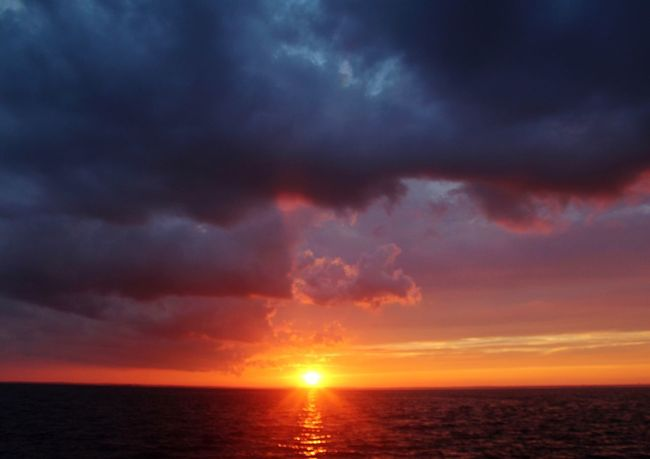 Sunsets Long Beach Island Sunset Over Water Sunset And Clouds  Colorful Sky Cloud And Sky Cloud_collection  Cloud - Sky Sun And Clouds EyeEm Nature Lover Sky Sea Water Horizon Beauty In Nature Horizon Over Water Sunset Dramatic Sky Scenics - Nature Nature Sun No People Outdoors Sunlight