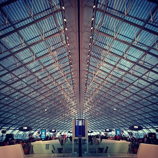 Back Home 🏠 - Aéroport Charles De Gaulle - Paris Aiport Cdg Paris France Travel Exams Architecture Geometry