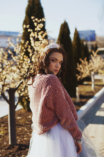 Beauty Beauty In Nature City Life Day Flower Grunge GrungeStyle Leasure Lifestyles Light Millennial Pink Nature Outdoor Photography Outdoors Pink Portrait Sky Sunlight Teenage Girls Teenager Youth Youth Culture Fashion Stories
