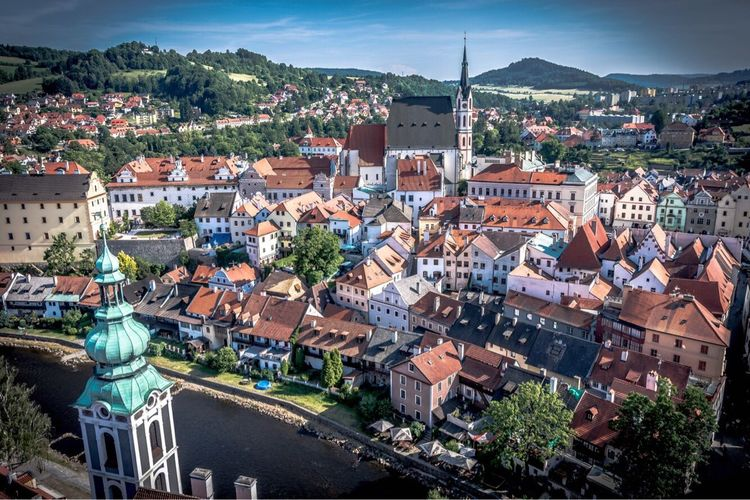 Architecture Cityscape Building Exterior Crowded Outdoors Roof High Angle View Old Town Built Structure Travel Destinations City Town Community Day Sky People