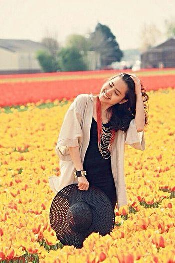 Tulipfield in Lisse Model Pose Beautiful ♥ Fashion&love&beauty Tulip Love