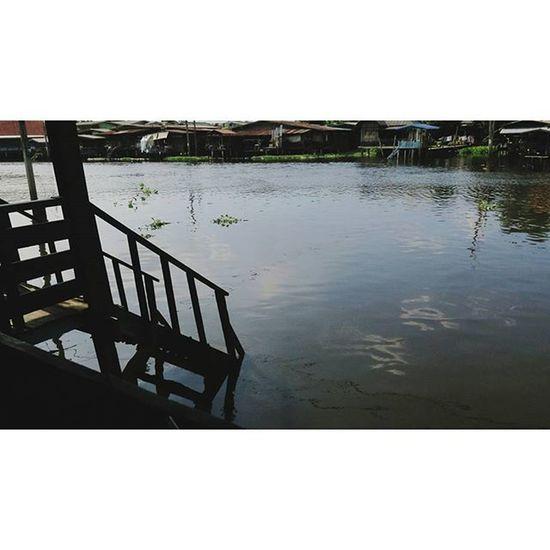 """หากคุณกำลังคิดที่จะ """"ไม่คาดหวัง"""" น่านแหล่ะ คุณ """"คาดหวัง"""" เพราะคุณกำลัง """"คาดหวังที่จะไม่คาดหวัง"""" . . . . VSCO Vscocam Thailand Nontaburi River Feeling"""