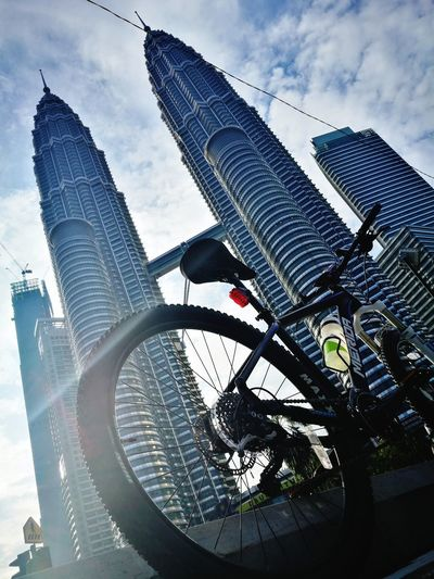 CyclingUnites Cyclinglife Cyclephotography SundayFunday Low Angle View Outdoors No People Architecture Built Structure Sky Sunny Day❤ Good Morning Sunshine