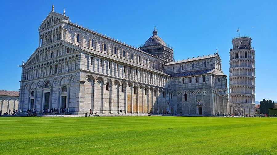 Architecture Travel Destinations Politics And Government Museum History Grass Clear Sky City Government Built Structure Outdoors Building Exterior Politics Modern Sky Urban Skyline Cityscape Day No People Italia Italy🇮🇹
