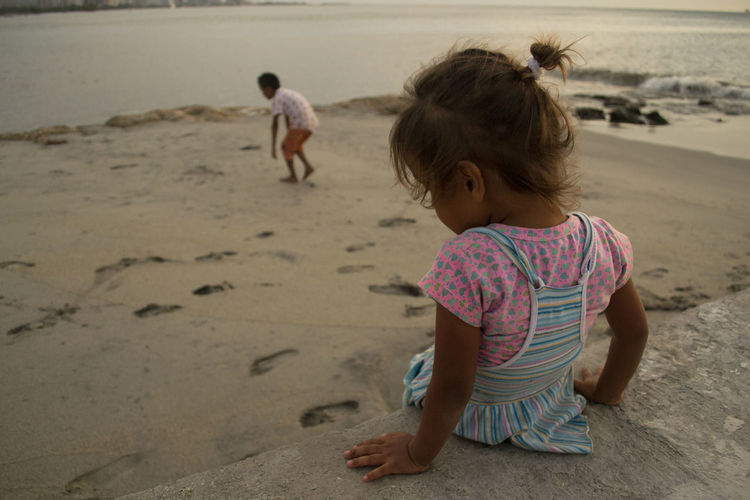 Hermanos Beach Childhood Colombia Colombia ♥  Day EyeEm Best Shots EyeEm Gallery Full Length Girls Nature Outdoors People Real People Rear View Sand Santa Marta, Colombia Vacations