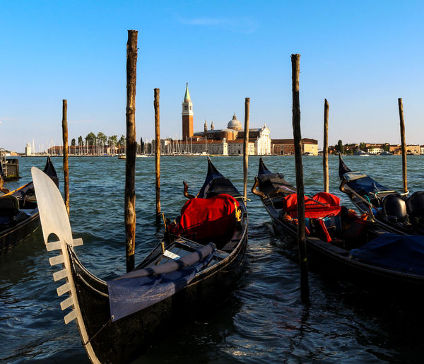 Gondola Gondole In Venice Venezia Venice, Italy Architecture Building Exterior Built Structure Day Gondola - Traditional Boat Moored Nature Nautical Vessel No People Outdoors Sea Sky Transportation Travel Destinations Water Wooden Post