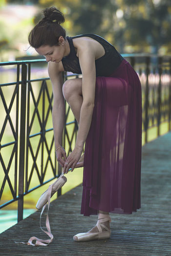 préparations Portrait Taking Photos Taking Pictures Getting Inspired Getting Creative Girl Dance Ballerina Outdoors Freshness Still Life Lifestyles Eye4photography  Full Length Exercising Beautiful People Standing Flexibility Gymnastics