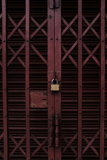 home lock.. Door Knocker Locked Safety First! Architecture Backgrounds Building Built Structure Closed Corrugated Design Door Door Lock Full Frame Iron - Metal Lock Metal Pad Lock Padlock Pattern Protection Safety Security Texture Vintage