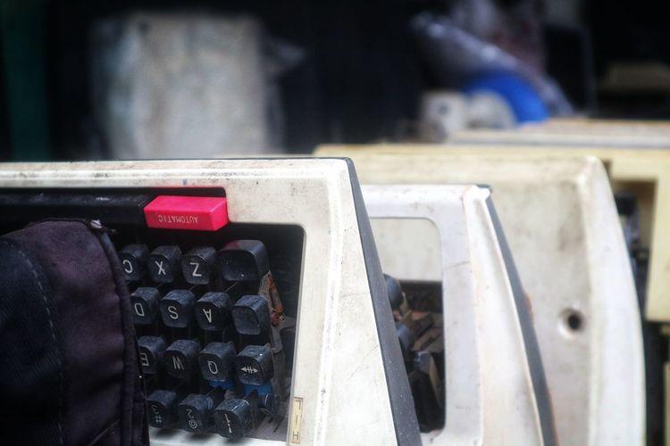 The Typewriter Old Typewriter Streetphotography Urban Huntingphoto Technology Day